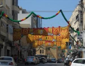 festa St Julians Malte 300x232 Les 7 premières choses qui métonnent à Malte