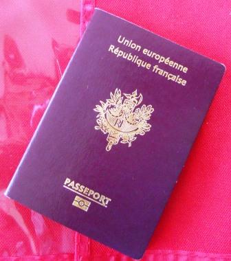 passeport maretraiteausoleil Mais pourquoi vouloir une double nationalité ?